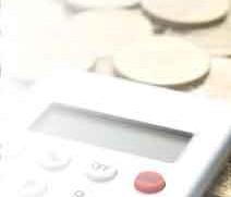 コインと電卓のイメージ