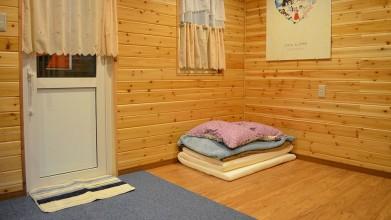 老犬ホームPocket簡易ベッド付個室